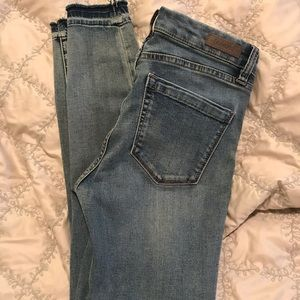 BLANK NYC Jeans Mid Rise Skinny